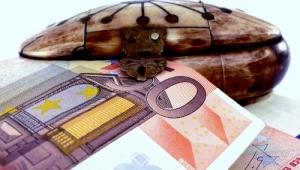 Euros (http://mrg.bz/zyWa1Y)
